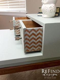 American Martinsville Nightstand/Side Table. Painted in Fusion Mineral Paint with Fusion Gilding Wax Copper details and natural legs. #fusionmineralpaint #inglenook #gildingwax #copper #arrowknobs #naturallegs