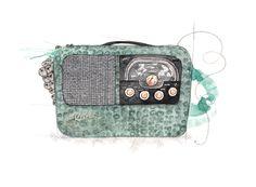 """Kurér Radio"" (Norwegian vintage radio)  Copyright: Emmeselle.no   illustration by Mona Stenseth Larsen"