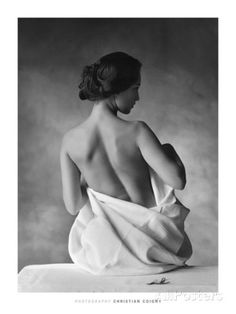 l´instant し buste by christian coigny (photographie noir blanc black white nude woman dos back) Bouidor Photography, Boudoir Photography Poses, Boudior Poses, Boudoir Photo Shoot, Photography Backdrops, Photography Lighting, Photography Business, Iphone Photography, Photography Composition