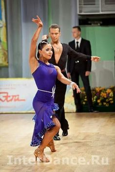 Love this dark blue Latin dress Ballroom Costumes, Latin Ballroom Dresses, Ballroom Dance Dresses, Ballroom Dancing, Dance Costumes, Latin Dresses, Baile Latino, Salsa Dress, Tango Dress