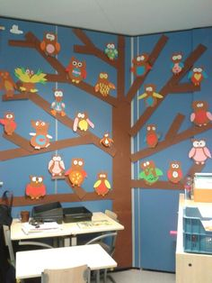 owl display on tree Owl Classroom, Classroom Decor, Autumn Crafts, Nature Crafts, Cute Crafts, Diy Crafts, Art For Kids, Crafts For Kids, Leaf Crafts