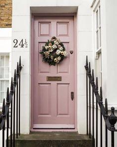 Kleur in huis: roze deur