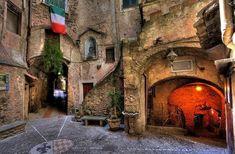 Ξεχάστε τη Ρώμη και γνωρίστε 3 άγνωστες πόλεις της Ιταλίας που θυμίζουν παραμύθι!