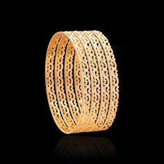 These pacheli gold bangles collection will take you to the vintage world. Get that traditional look & flaunt these ethnic bangles from Zar Jewels for any occasion. Gold Bangles Design, Gold Jewellery Design, Engagement Mehndi Designs, Gold Wedding Jewelry, Hand Jewelry, Bangle Bracelets, Diamond Bracelets, Jewelry Patterns, Modern Jewelry