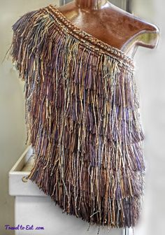 Te Puia (Weaving School), Māori Arts and Crafts Institute. Rotorura, New Zealand Flax Weaving, Weaving Art, Maori Patterns, Maori Designs, Nordic Tattoo, Fibre And Fabric, Maori Art, Kiwiana, Weaving Projects