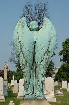 I absolutely love old cemeteries... All the beautiful statuses... Big custom made head stones, nothing more peaceful