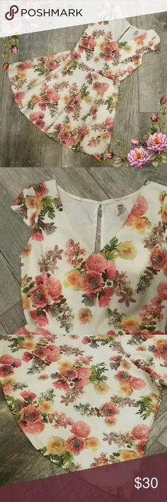 OFFERS ARE WELCOME ;) Floral dress In excellent condition. Worn once or twice.  Got too small on me ;( It is a short dress, so please check the measurements picture before purchasing. Coco Avante Dresses Midi