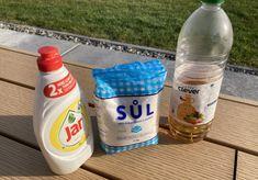 Domáci ZABIJAK buriny: Stačí zamiešať 3 lacné prísady a máte čistý celý dvor bez roboty (RECEPT)! Drink Bottles, Water Bottle, Jar, Drinks, Drinking, Beverages, Water Bottles, Drink, Jars