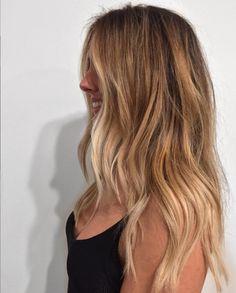 Blonde Balayage Honey, Caramel Blonde Hair, Blonde Hair With Highlights, Neutral Blonde, Blonde Color, Honey Blonde Hair Color, Strawberry Blonde Hair Color, Blonde Hair Looks, Brown Blonde Hair