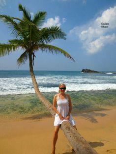 Beautiful beach Sri Lanka. Maui Travel, Mexico Travel, Trip To Maui, Beaches In The World, Maui Hawaii, Tropical Paradise, Island Life, Beautiful Beaches, Sri Lanka