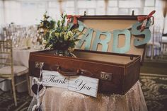 vintage suitcase wedding diplay For all you festival lovin' guys and gals out there we have the super fun wedding of Colly and Kerry! Taking inspiration from their love of music and festiva. Vintage Suitcases, Vintage Luggage, Card Box Wedding, Wedding Day, Wedding Hire, Vintage Suitcase Wedding, Wedding Photography Props, Grunge Fashion Soft, Diy Ombre