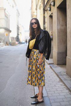 weekend look – Carolines Mode Caroline Blomst, Country Attire, Look 2018, Scandinavian Fashion, Fashion Week Paris, Vogue Fashion, Printed Skirts, Fashion Outfits, Fashion Trends