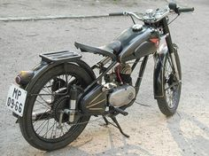 Csepel, Hungary photo of 1959 Danuvia-Csepel 125 from the owner - Simon Laszlo (Budapest) Sims, Scooters, Hungary, Budapest, Vehicles, Classic, Motorcycles, Antique Cars, Binder