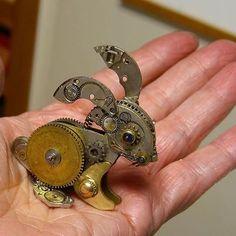 Le sculture Steampunk di Susan Beatrice realizzate con parti di vecchi orologi ⌚