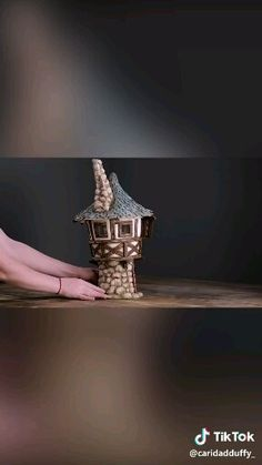 Make this enchanting DIY fairy house and let your imagination wander for the upcoming holidays 🌌💓🎄! Diy Crafts Hacks, Diy Home Crafts, Diy Arts And Crafts, Craft Stick Crafts, Creative Crafts, Clay Crafts, Fun Crafts, Paper Crafts Origami, Bottle Crafts