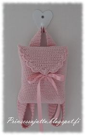 Prinsessajuttu: Tyttären virkattu reppu – sweet and lovely for little girls ♥ Princess Story: Daughter Crochet Backpack – sweet and lovely for little girls ♥ Crochet Girls, Crochet For Kids, Love Crochet, Crochet Baby, Knit Crochet, Crochet Handbags, Crochet Purses, Crochet Crafts, Crochet Projects