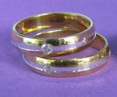 sepasang emas kuning dengan berlian cincindepok.com