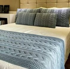 Knitted Blankets, Merino Wool Blanket, Granny Square Blanket, Comforters, Knit Crochet, Knitting Patterns, Projects To Try, Bedroom, Interior