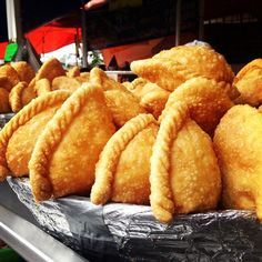 #mopatseason10: La Viga fish mkt: dholden, crispy rope-edge empanadas filled w crab