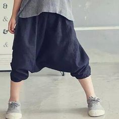 Find More Pants Information about 2016 New Kids Girls Harem Pants Candy Color Half Length Ruffles Spring Summer Casual Pants,High Quality pants shorts,China pant pattern Suppliers, Cheap pants bow from Everweekend Clothing Co.,Ltd on Aliexpress.com