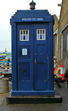 In Glasgow the Mackenzie Trench - Type 2 Police Box had 4 panels on the front rather than six. Glasgow Police, Chatham Dockyard, Front Door Colors, Front Doors, Doctor Who Tardis, Police Box, Dalek, Time Lords, Blue Box