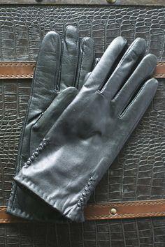 The Bond...fabulous touchscreen gloves