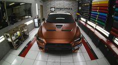 """No 7º episódio da serie Samy compartilha toda a sua experiencia  conosco em um incrível projeto executado com excelência em seu próprio carro, um Mitsubishi Lancer todo equipado para as pistas. Os detalhes do projeto e os conceitos deste """"MONSTRO"""" do envelopamento você confere agora no IMPRIMAX GARAGE. Mitsubishi Lancer, Vehicles, Carport Garage, Cars, Car, Vehicle, Tools"""