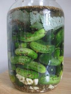 Lacto-fermented pickles! Must make - fermented foods are good for tummies. Recipe at http://Herbangardener.com