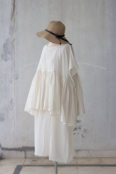 Loose tunic vintage style / Baby doll blouse / Japanese top in Look Fashion, Korean Fashion, Fashion Outfits, Clothes To Order, Design Japonais, Look Street Style, Woman Smile, Mode Vintage, Vintage Style