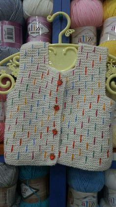 Baby Poncho, Crochet Baby Cardigan, Baby Girl Crochet, Baby Vest, Crochet Baby Hats, Diy Crochet, Knitted Hats, Baby Boy Knitting Patterns, Knitting For Kids