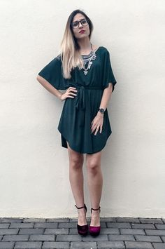 A striking casual outfit by @elarmariodevero with her green t-shirt dress. #LBSDaily