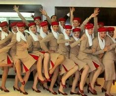 crewLIFEcrewSTYLE Hi from our friends at Airline - Emirates Credit - Tag your crew uniform shots with for a REPOST Emirates Flights, Emirates Airline, Airline Flights, Emirates Cabin Crew, Airline Cabin Crew, Airline Uniforms, Flight Attendant Life, Virgin Atlantic, Civil Aviation