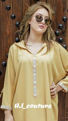 Image gallery – Page 636133516091390037 – Artofit Kaftan Abaya, Caftan Dress, Morrocan Fashion, Abaya Fashion, Fashion Outfits, High Collar Blouse, Kurta Patterns, Ombré Hair, Moroccan Caftan