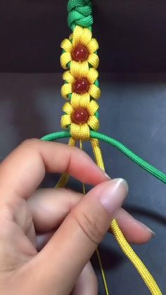Rope Crafts, Diy Crafts Hacks, Diy Crafts Jewelry, Bracelet Crafts, Macrame Bracelet Patterns, Zipper Bracelet, Macrame Bracelet Tutorial, Diy Bracelets Patterns, Diy Friendship Bracelets Patterns