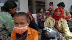 liputan6.com - Relawan Dokter: Pengungsi Gunung Kelud di Kediri Trauma