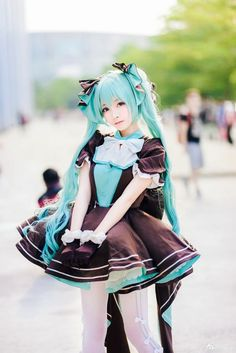 Pin by Yumiko Yamiko on Cos Cosplay Vocaloid, Hatsune Miku Costume, Hatsune Miku Outfits, Cosplay Kawaii, Anime Cosplay Costumes, Cosplay Characters, Cute Cosplay, Amazing Cosplay, Cosplay Outfits
