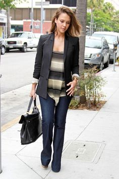 """Dressy Celeb: Jessica Alba and her YSL black leather """"Muse Two"""" medium tote"""