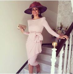Invitadas muy top, ideal @mpobpo con nuestro vestido Celsa en rosa #colournude #invitadascolournude Royal Dresses, Satin Dresses, Evening Outfits, Evening Dresses, Short Dresses, Prom Dresses, Summer Dresses, Melbourne Cup Fashion, Derby Outfits