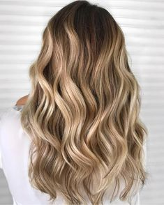 Are you going to balayage hair for the first time and know nothing about this technique? We've gathered everything you need to know about balayage, check! Brown Hair With Blonde Highlights, Brown Ombre Hair, Light Brown Hair, Hair Highlights, Brown Hair Dyed Blonde, Brown Hair Trends, Creamy Blonde, Non Blondes, Hair Color Techniques
