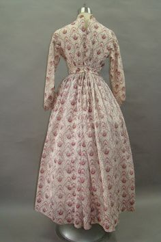 Discover recipes, home ideas, style inspiration and other ideas to try. 1800s Clothing, Antique Clothing, Historical Clothing, Historical Dress, Historical Costume, Day Dresses, Dresses For Work, Civil War Fashion, Civil War Dress