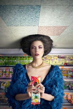 Le photographe «PINCH» Martin Tremblay a réalisé cette série de photos de modèles à l'envers pour le magasine Schon!.