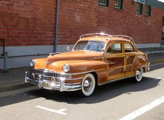 1946 Chrysler Town and Country Sedan. Includes 250 lb. of mahogany frame and panels