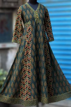 Buy Maati Crafts Multicolored Cotton Printed Anarkali kurti online in India at best price.a beautiful, elegant long anarkali that s perfectly fitted till the waist and flares at the base. Saree Blouse Neck Designs, Kurta Neck Design, Blouse Designs, Anarkali Kurti, Long Anarkali, Kurta Designs Women, Kurti Designs Party Wear, Indian Designer Wear, Pretty Outfits