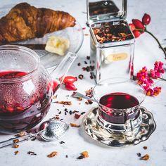 Tea time!   #tea  #tee #kraeutertee  #fruechtetee #fruits #herbal #kraeuter er #fruechte  #gesund #healthy #healthydrink #warm #teatime #itsteatime  #tealover #organic #healthy #instatea #teaaddict #tealovers #tealife #throat #neck Healthy Drinks, Chocolate Fondue, Tea Time, Herbalism, Fruit, Instagram Posts, Desserts, Organic, Iced Tea