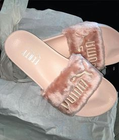 I don't even wanna wear them they so beautiful @badgalriri @puma