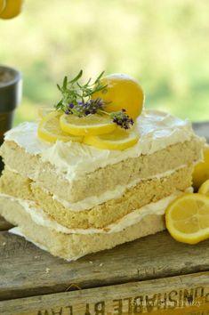 Easy Gluten Free Lemon Cake | gluten free desserts | gluten free recipes | homemade gluten free recipes | gluten free dessert recipes | gluten free cakes | how to make a gluten free cake || This Vivacious Life