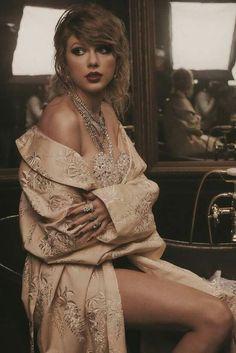 Taylor Swift Hot, Estilo Taylor Swift, Live Taylor, Taylor Swoft, Taylor Swift Wallpaper, Lingerie Design, Taylor Swift Photoshoot, Taylor Swift Outfits, Taylor Swift Pictures