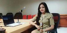 JAKARTA ,09 Oct 2017 -Terkait banyaknya pertanyaan mengenai wewenang pemberhentian Pegawai Negeri Sipil (PNS), Kepala Badan Kepegawaian Negara (BKN) Bima Haria Wibisana telah mengeluarkan Surat Kep…