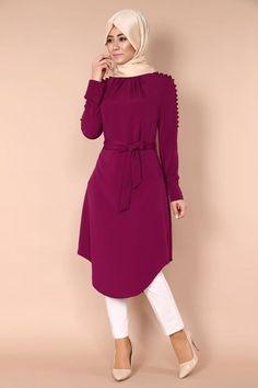 Elegant tunic with hijab look and tights style - Fashion Dress Indian Style, Indian Fashion Dresses, Abaya Fashion, Modest Fashion, Muslim Women Fashion, Islamic Fashion, Classy Outfits, Chic Outfits, Fashion Outfits