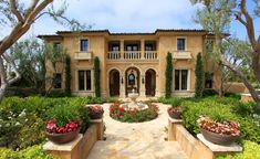 Excellent Mediterranean Style House Colors And Mediterranean House Decor Similiar Mediterranean Style Homes Exterior Keywords Tuscan Style Homes, Mediterranean Style Homes, Spanish Style Homes, Tuscan House, Mediterranean House Exterior, Spanish Revival, Italian Homes Exterior, Spanish Exterior, Exterior Homes